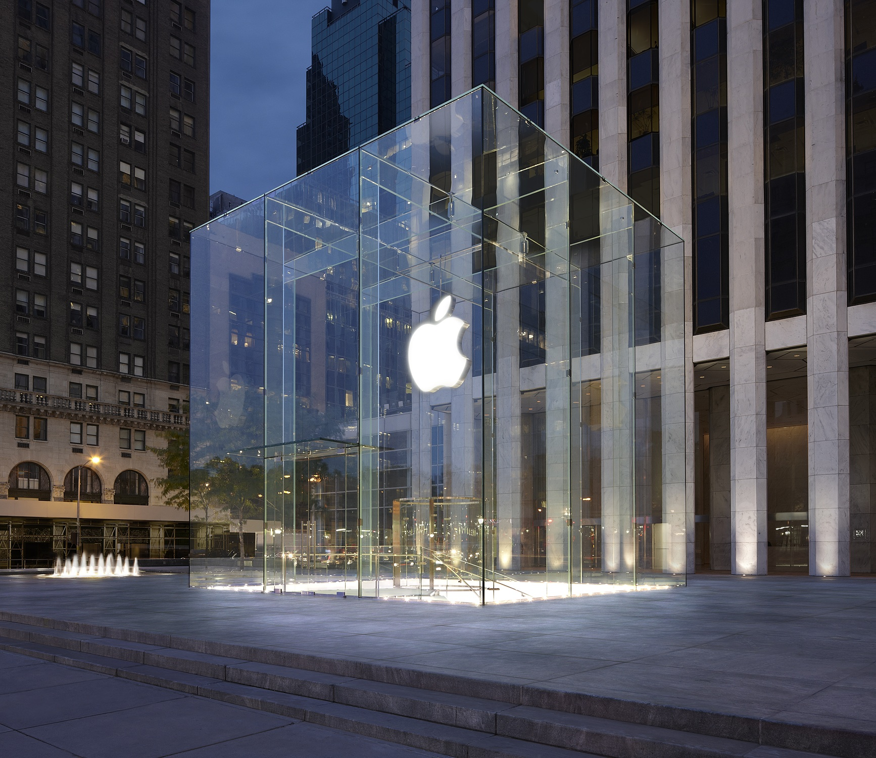 apple head office london. Apple Has Hired BBC Films Veteran Joe Oppenheimer As A Creative Executive For Its International Team \u2013 Led By Former Channel 4 Boss Jay Hunt. Head Office London