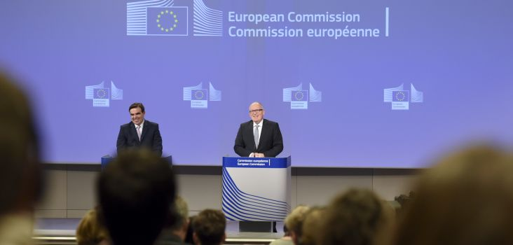 Frans Timmermans (right) with chief spokesperson Margaritis Schinas