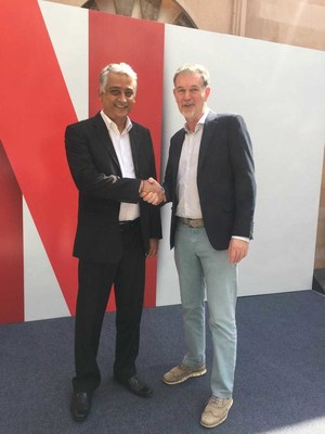 Videocon d2h COO Himanshu Patel with Reed Hastings
