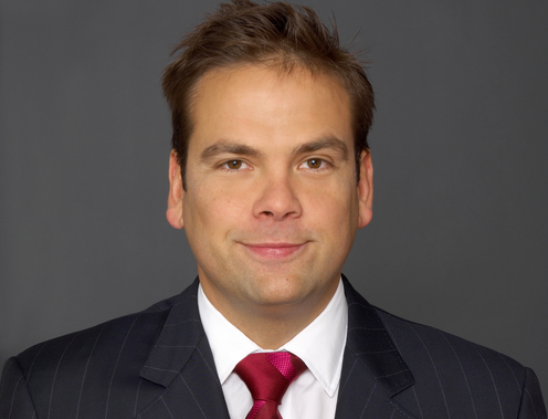 Lachlan Murdoch Succeeds Brother at Fox