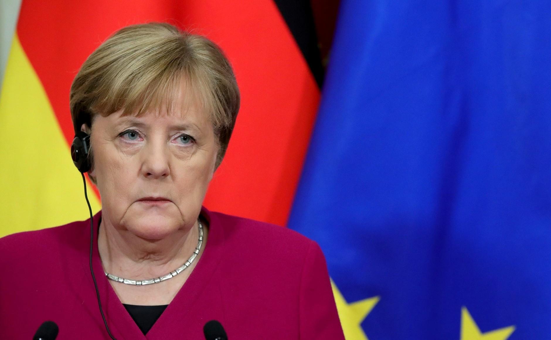 Merkel visited Russian opposiiton leader Alexei Navalny in hospital