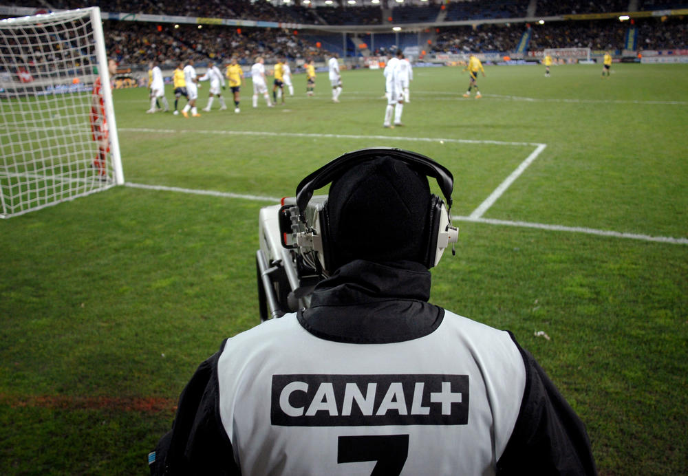 Canal+ agrees deal to broadcast Ligue 1 for current season